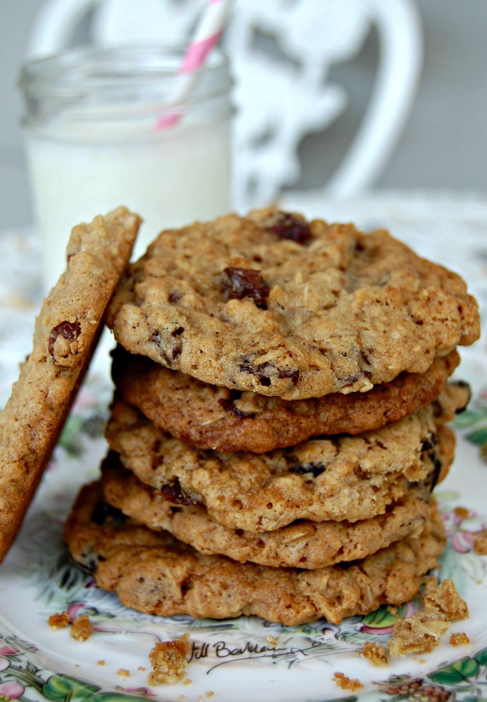 Oatmeal Raisin Cookies  Goal Break Chewy Oatmeal Raisin Cookies