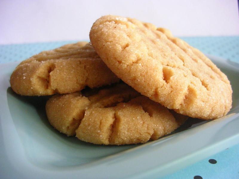 Peanut Butter Cookies  The Busty Baker Mini Throwdown Peanut Butter Cookies