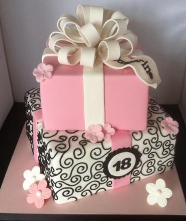18Th Birthday Cake  Katherine s 18th birthday cake Cakes