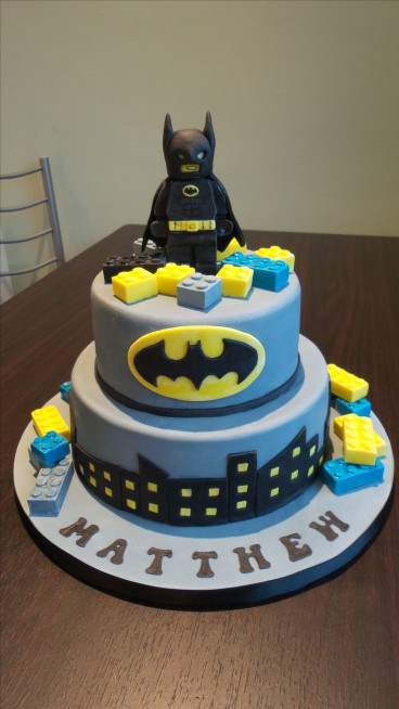 Batman Birthday Cake  25 best ideas about Lego batman cakes on Pinterest