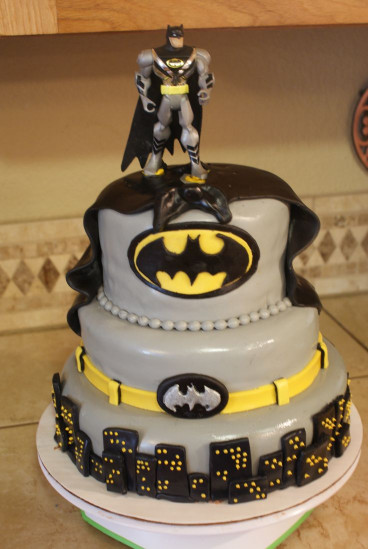 Batman Birthday Cake  109 best images about kids cakes on Pinterest