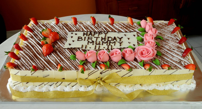 Big Birthday Cake  Sweet Indulgence Kuching Big Tiramisu Birthday Cake