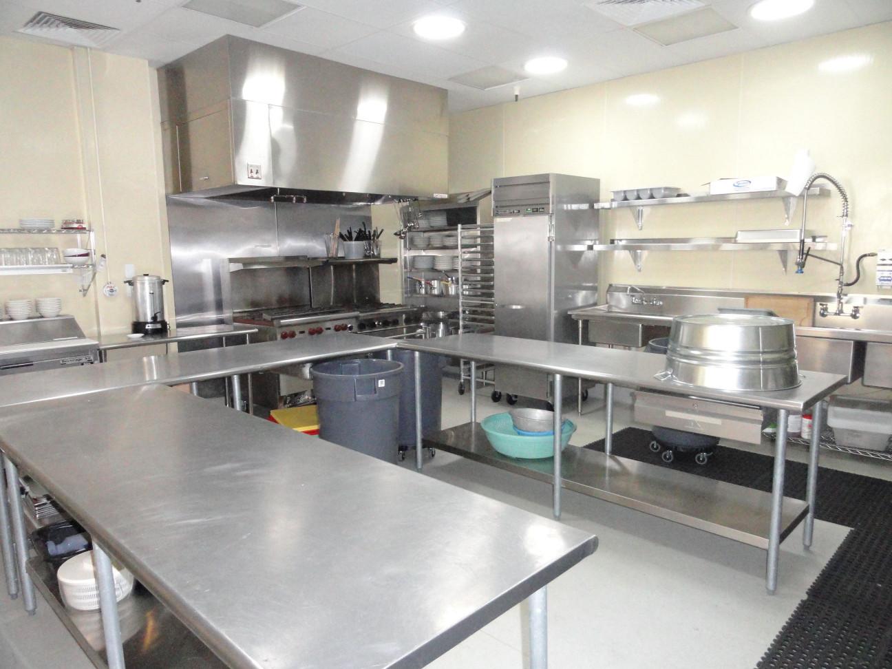 Commercial Kitchen Design  Best 25 mercial kitchen equipments ideas on Pinterest