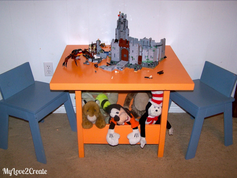 DIY Kids Table  DIY Kids Table and Chairs