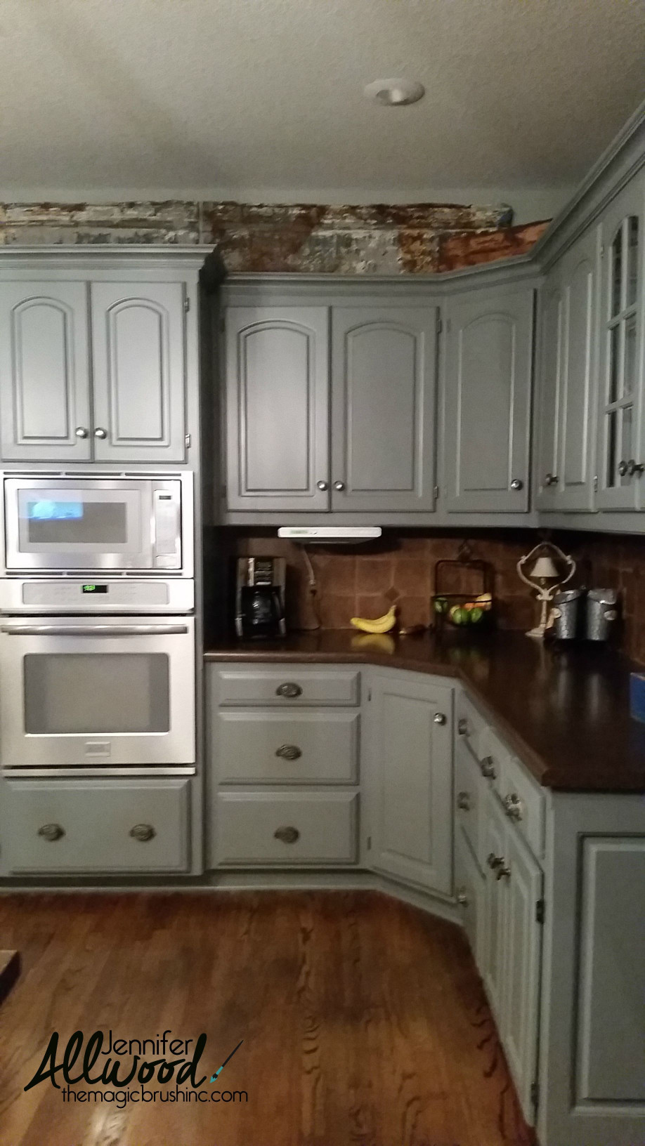 Easy Kitchen Backsplash  How to Paint Kitchen Tile and Grout an Easy Kitchen Update