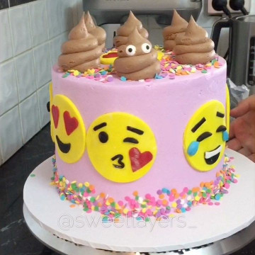 Emoji Birthday Cake  3 659 Likes 91 ments Sweet Layers sweetlayers on
