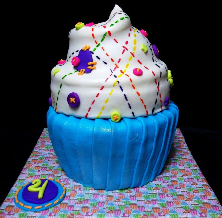 Giant Birthday Cake  Lalaloopsy Giant Birthday Cupcake Cake CakeCentral