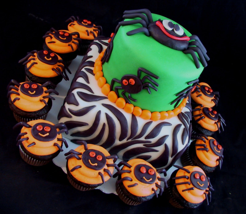 Halloween Birthday Cake  Birthday Cake Center Halloween Birthday Cakes 2011