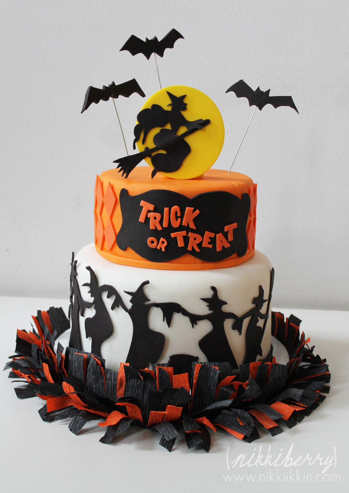 Halloween Birthday Cake  Dancing Witches Halloween Cake