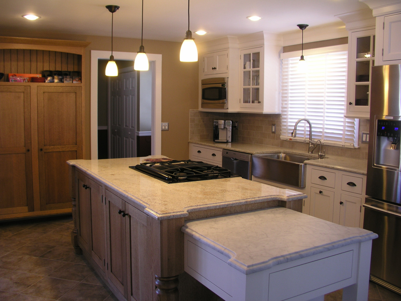 Kitchen Design Center  Quarter Sawn Oak Island