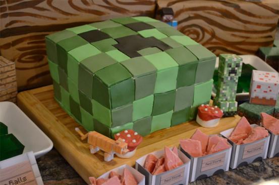 Minecraft Birthday Cake  3 impressive Minecraft cakes