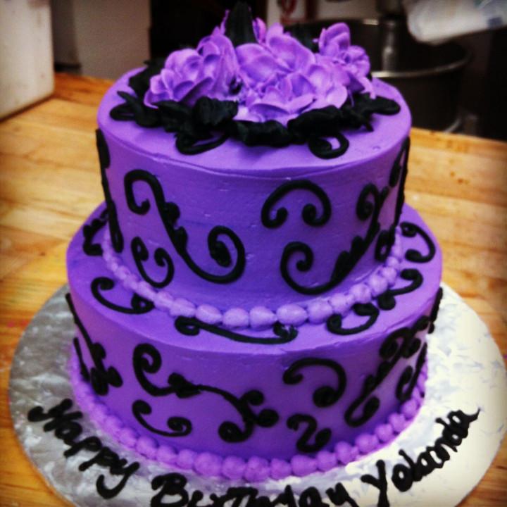 Purple Birthday Cake  Black and purple birthday cake El manjar peruano by