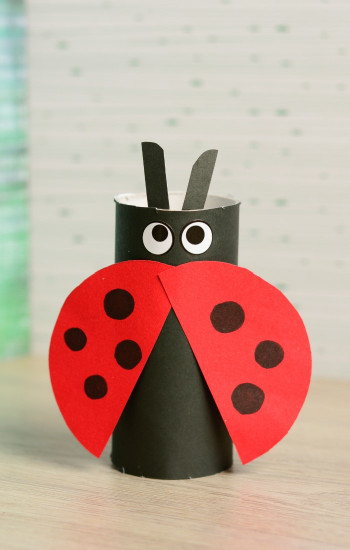 Simple Crafts For Kids  Toilet Paper Roll Ladybug Craft Easy Peasy and Fun