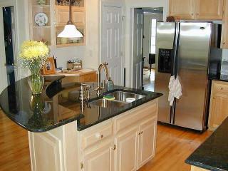 Small Kitchen Island  Best 25 Small kitchen layouts ideas on Pinterest