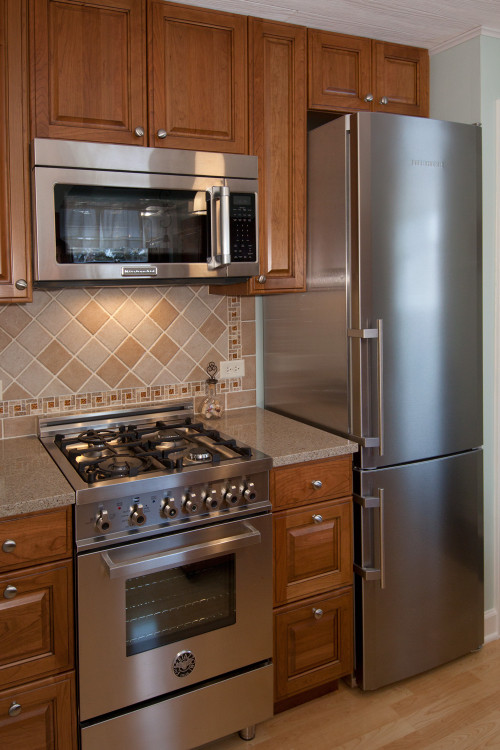 Small Kitchen Remodels  Remodeling a Small Kitchen for a Brand New Look Home