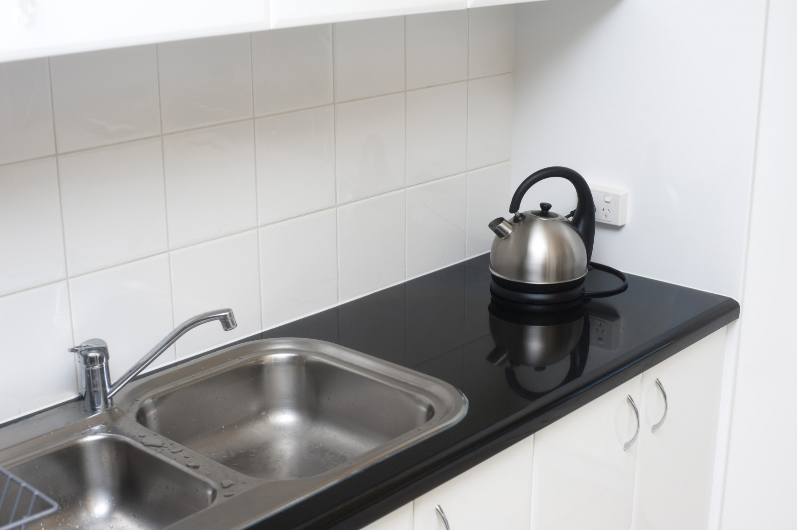 Small Kitchen Sinks  Free Stock 8210 Small kitchen with double sink unit