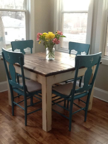 Small Kitchen Tables  RUSTIC FARMHOUSE TABLE Small Kitchen Dining Farm House
