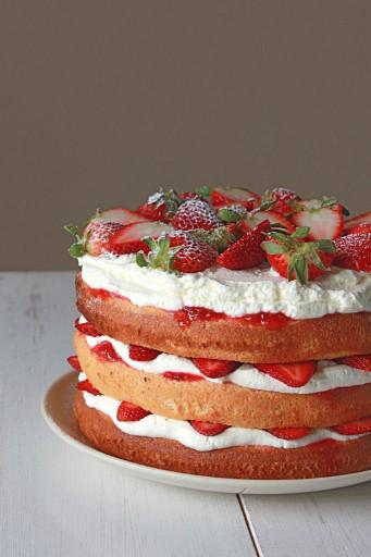 Strawberry Birthday Cake  25 best ideas about Strawberry birthday cake on Pinterest